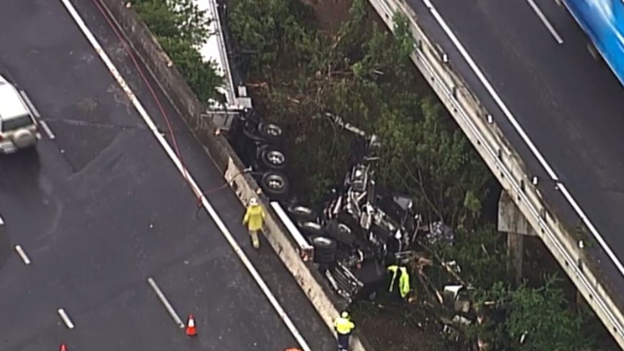 Motorists are facing massive delays on the Gateway Mwy. Picture: 7 News Queensland