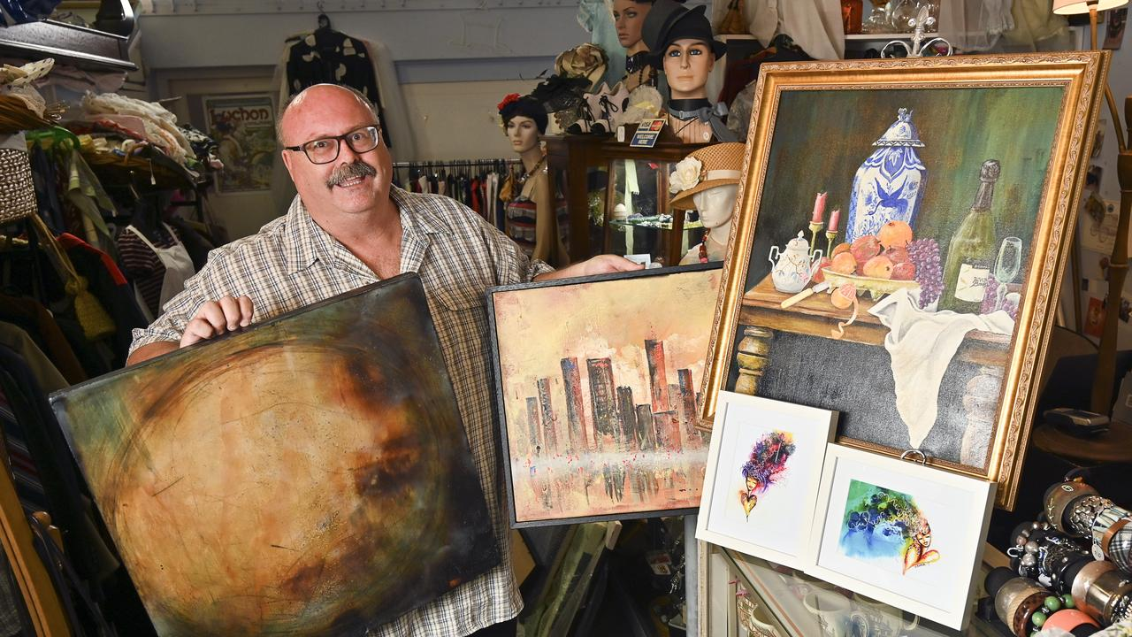 Glen Smith from Ipswich ArtsConnect has organised a cent auction to raise money for the rural fire service. Picture: Cordell Richardson