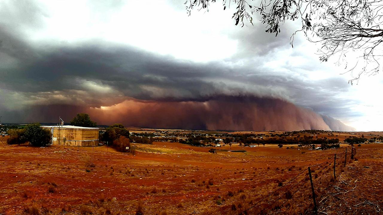 A dust storm rolls into Canowindra on Sunday. Picture: Jamie Anderson