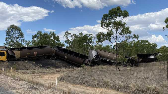 PHOTOS: Aurizon coal train derails in Central Queensland