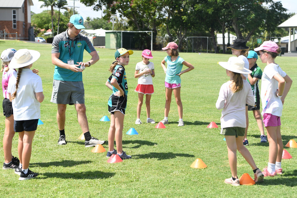 Image for sale: Girls take part in the Queensland Cricket clinic in Rockhampton