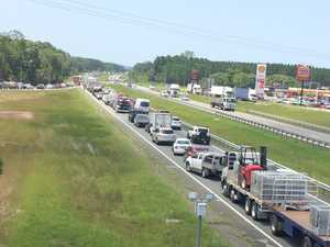 Traffic nightmare as caravan rolls on Bruce Hwy