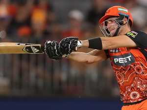 Scorchers thump fumbly Thunder as finals race heats up