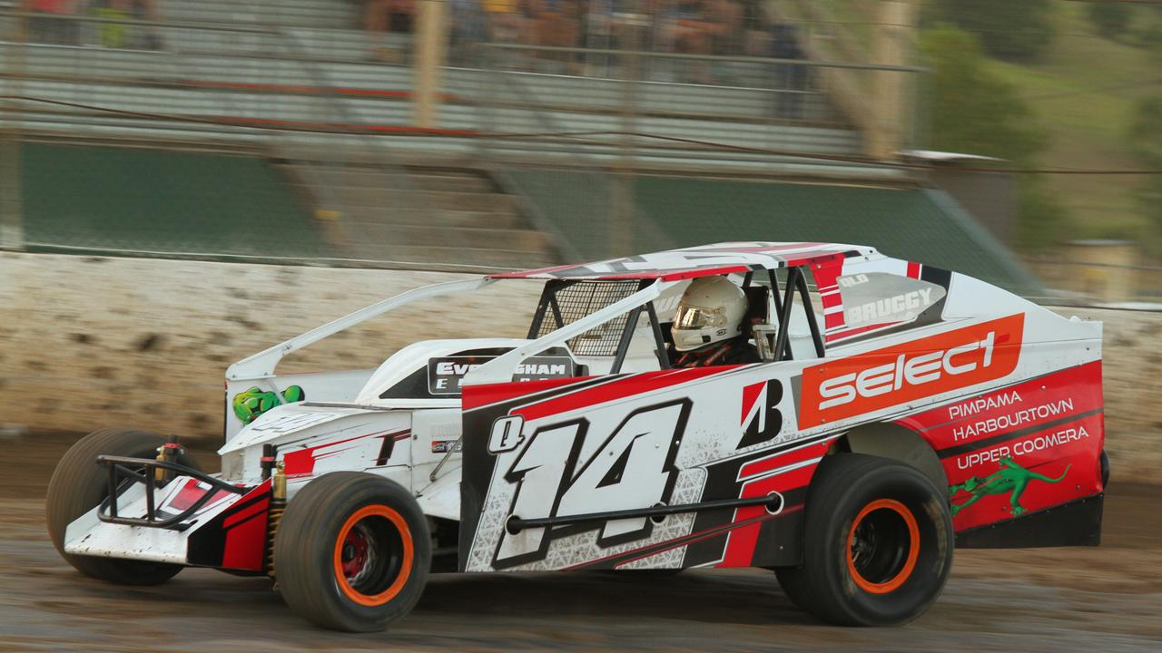 LAPPING IT UP: Sam Bruggy has entered for both nights of V8 Dirt Modified competition at Castrol Edge Lismore Speedway this Australia Day weekend.