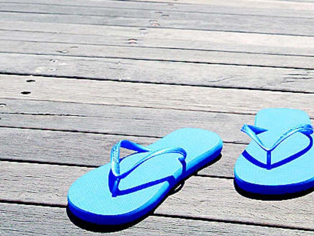 Undated : generic pair of blue thongs
