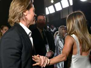 Photo proves Jen's just not into Brad