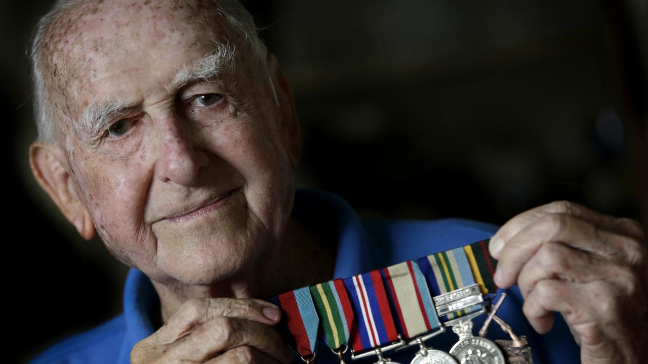 Australia has lost one of its last remaining WWII Diggers with the death of former infantry gunner David Bradley at age 94.