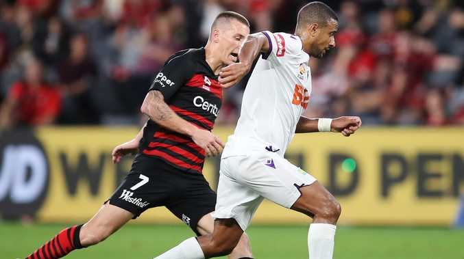 Wanderers coach drama 'puts players on notice'