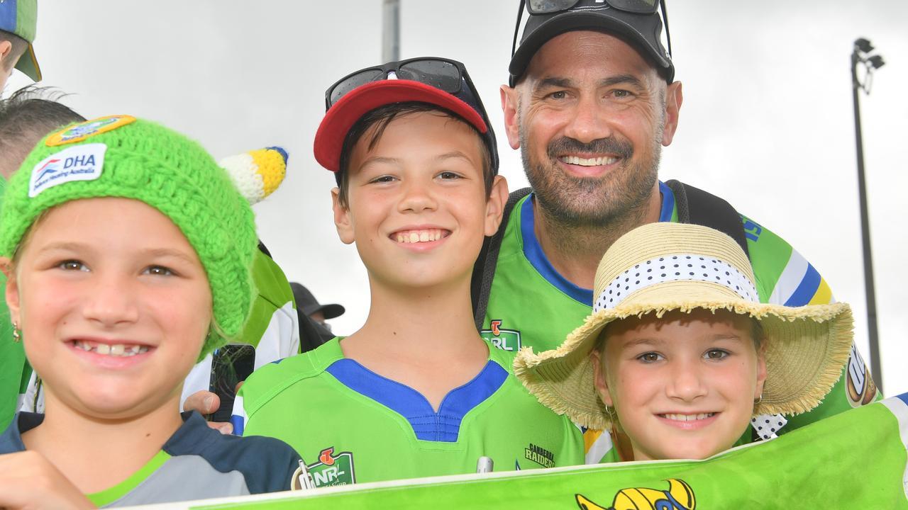 Canberra Raiders fans John, Ethan, Eva and Ruby Penney watch a training session at Sunshine Coast Stadium. Photo: John McCutcheon / Sunshine Coast Daily