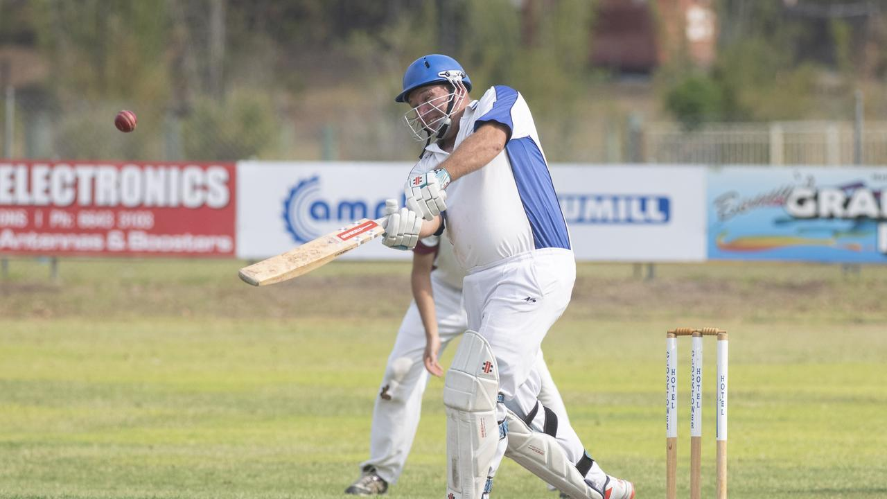 Matthew Pigg hits a lofted drive in Premier League match between Tucabia/Copmanhurst GI Hotel and Brothers at McKittrick Park