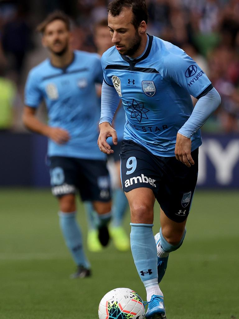 Adam Le Fondre in action at AAMI Park.