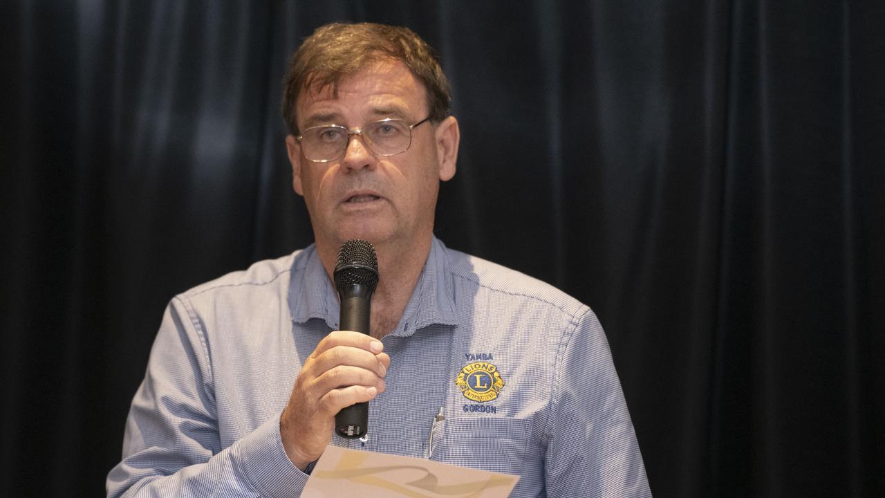 President of Yamba Lions Club Gordon Saunders accepts the Community Achievement Award.