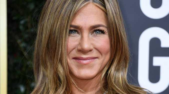 Jennifer Aniston stunt leaves fans crying