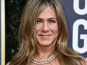 Jennifer Aniston stunt leaves fans crying