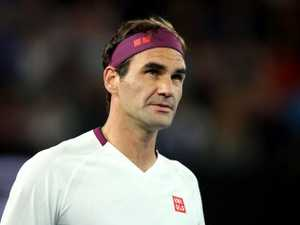 Federer powers home in mighty comeback