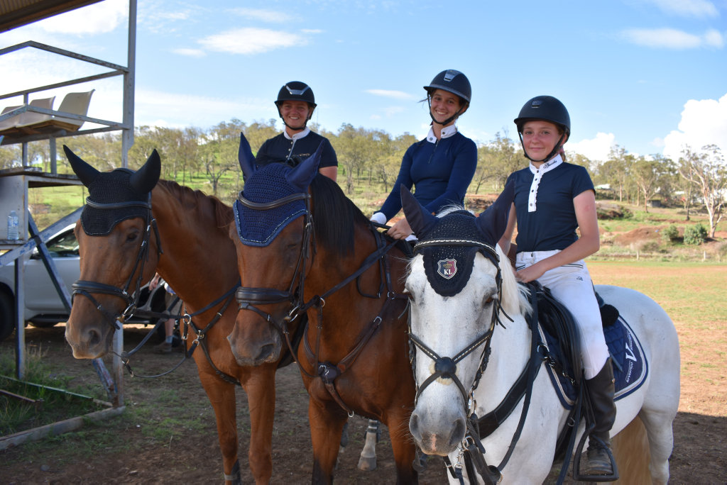 Image for sale: Sarah Weiss, Lorna Clifford and Nora Palasthy waiting for their class.