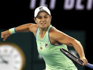 Navratilova sounds word of warning to Barty