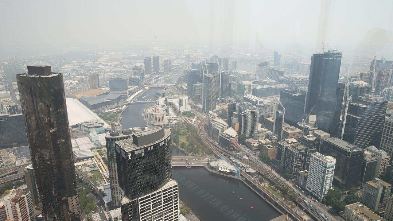 Sonke haze in Melbourne's CBD. Picture AAP Image/David Crosling