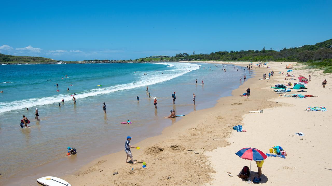 Jetty beach, Coffs Harbour tourist beach goers. Picture: Trevor Veale