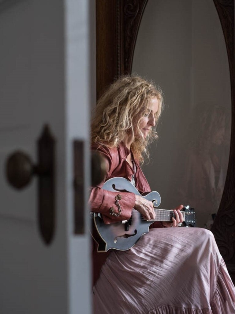 Award-winning singer Patty Griffin returns to Australia for her first tour here in more than a decade.