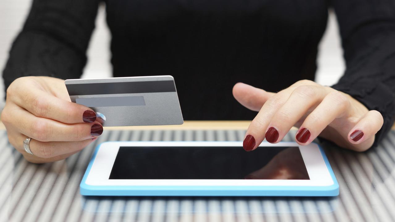 Supplied Money moneysaverHQ: online subscription, money, generic