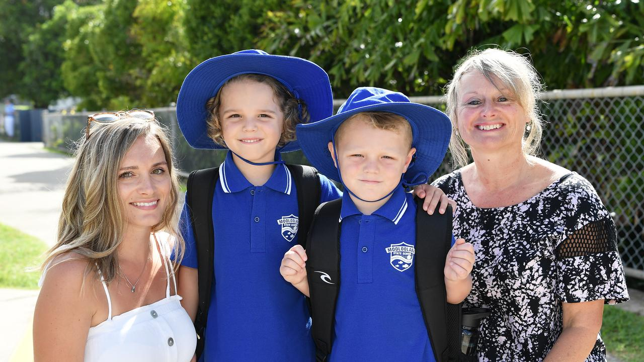 First day back to school at Mooloolaba State School, Telena, Hurley, 6, Madox Dale, 4, and Jenny Newman. Photo Patrick Woods / Sunshine Coast Daily.