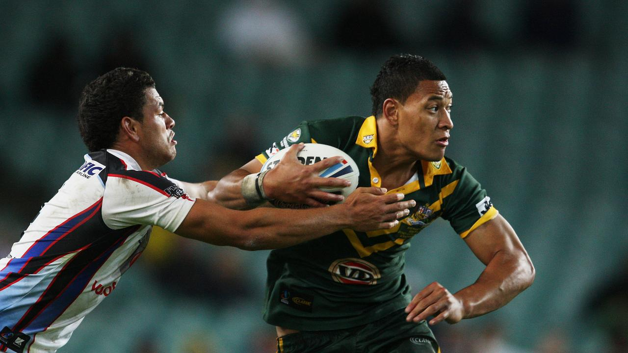 Israel Folau returns to rugby after signing on with French club