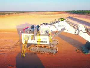 Timelapse: Construction of Adani's massive new escavator