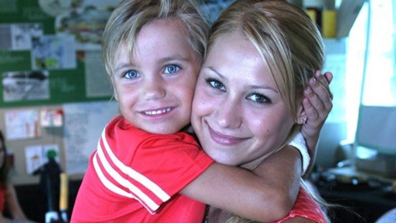 A young Sofia Kenin with Anna Kournikova.