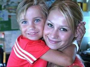 Adorable Kournikova photo resurfaces