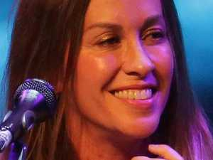 Alanis adds Australian arena shows