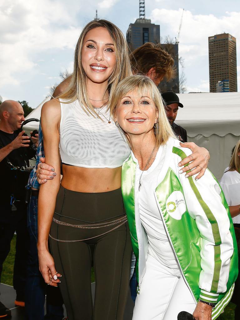 Alongside her mum at a charity event in Melbourne last year. (Picture: Getty Images)