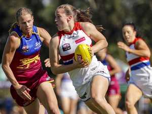 Pay fight galvanises female footy players
