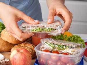 Teen's lunch sparks furious debate among mums