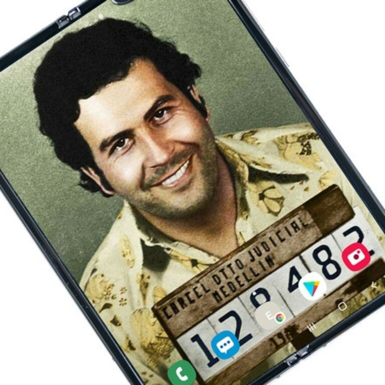 The Escobar Fold 2, featuring a colourised mugshot of narcoterrorist Pablo Escobar as the display background.