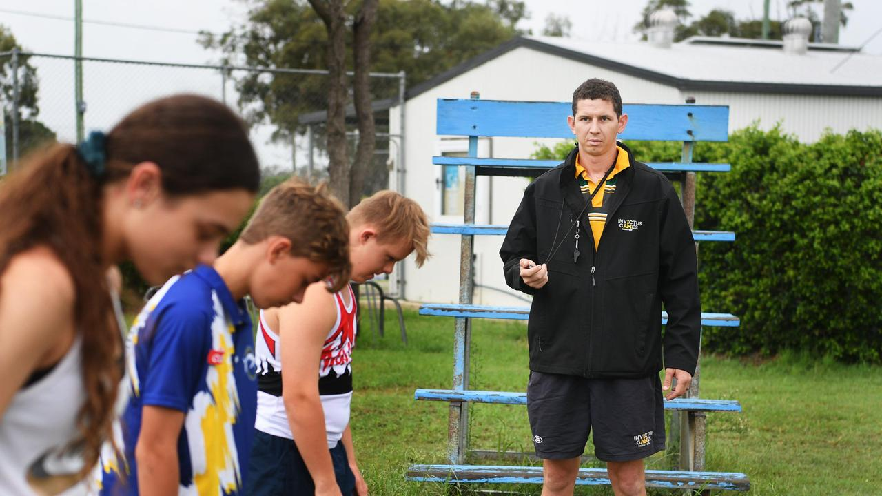 Stix McGavin coaching at the Dundowran Athletics Oval. Photo: Cody Fox
