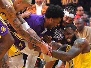 LeBron's 'crazy' three-point barrage