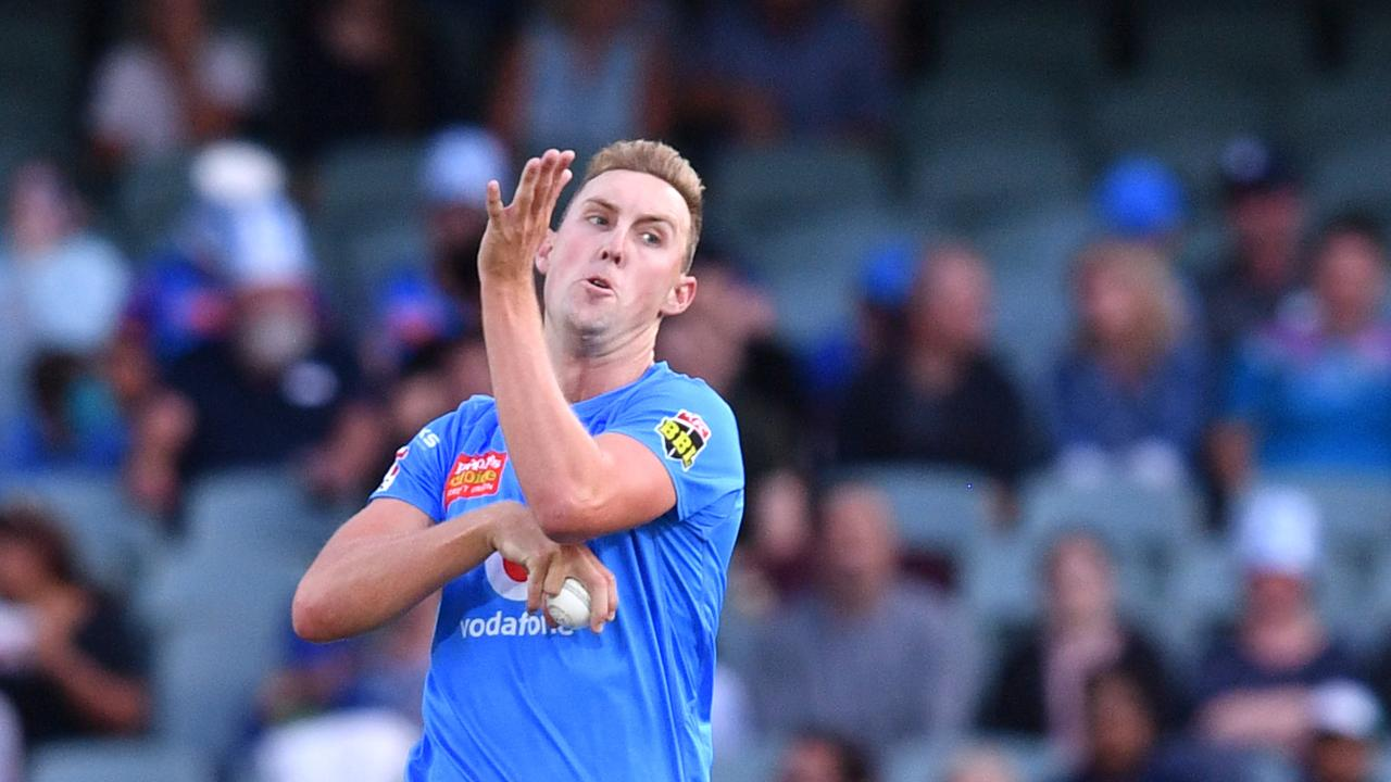 FRIGHTENING: Adelaide Strikers' paceman Billy Stanlake is the imposing figure the Ipswich Logan Hornets will see steaming in at them. AAP Image/David Mariuz