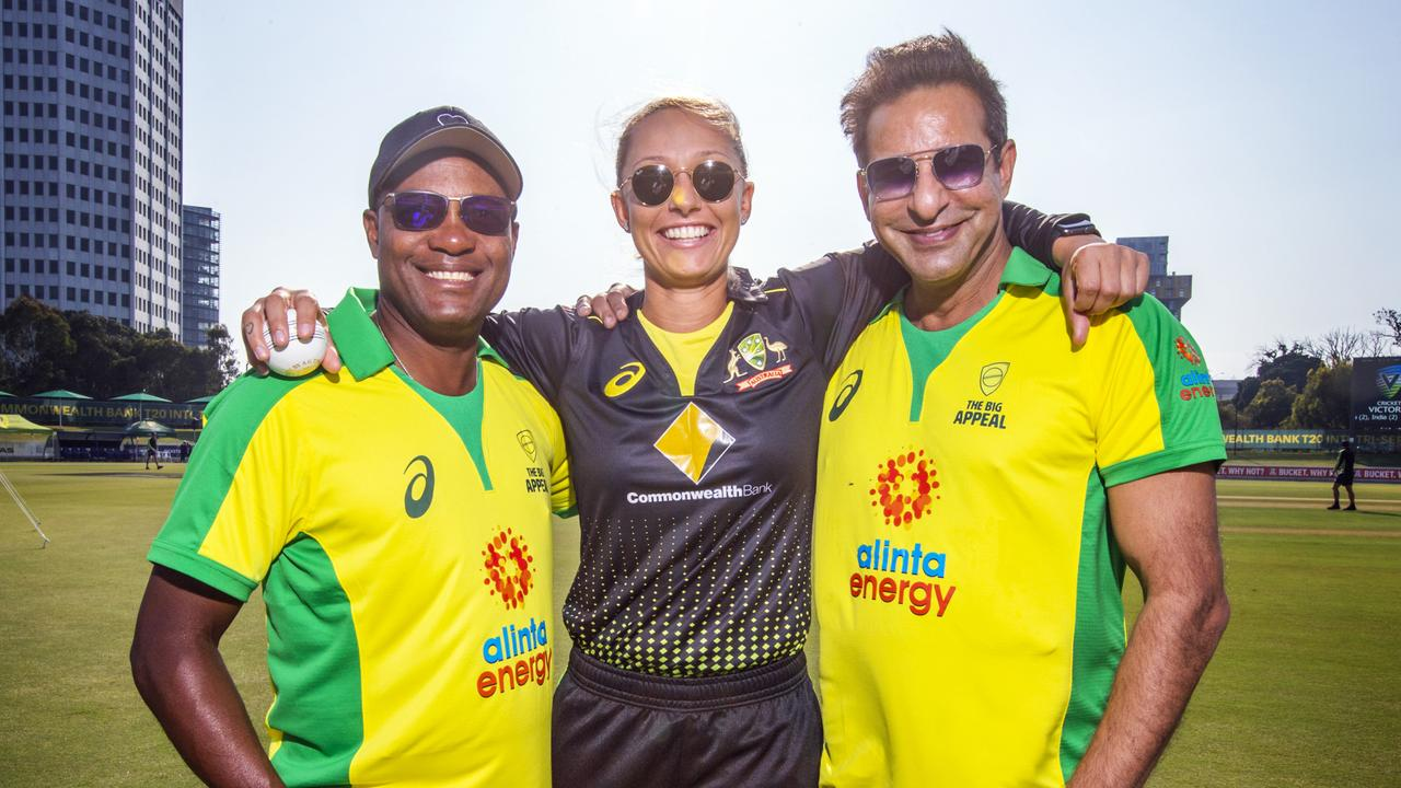 Australian women's cricketer Ash Gardner poses with Brian Lara and Wasim Akram ahead of the Bushfire Bash. Picture: Sarah Matray