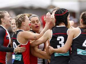 AFLW: Dogs spoil Saints party, Pies prove a point