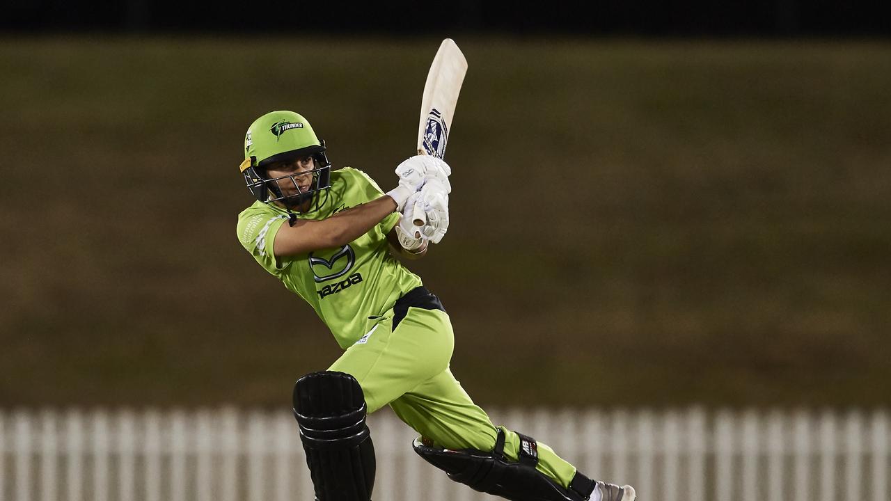 Pakistan's Nida Dar in action for the Sydney Thunder. (Photo by Brett Hemmings/Getty Images)