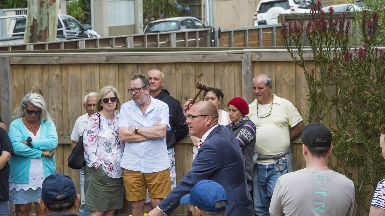 Barry Plant agent Craig Leo at the Safety Beach auction. Picture: Rob Leeson.