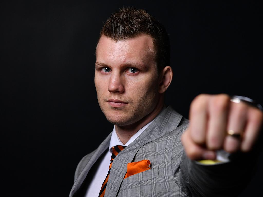 Jeff Horn has this ready for Tim Tszyu. (AAP Image/Joel Carrett)