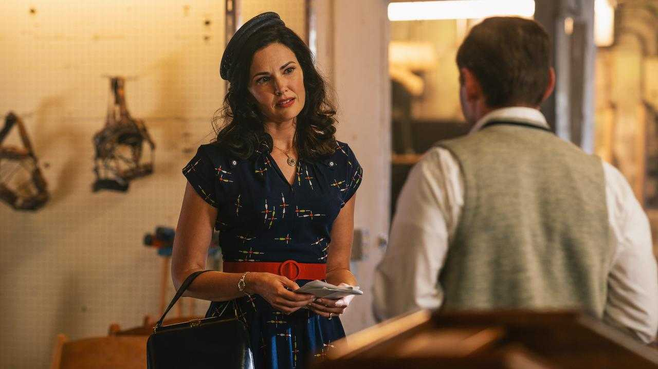 Laura Mennell in a scene from season two of Project Blue Book.