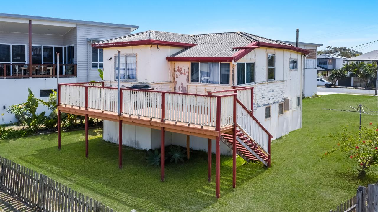 5 Stewart Street, Lennox Head, sold for a cool $1.51 million on Saturday.