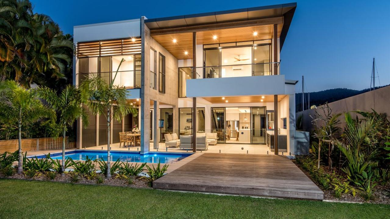 35 The Beacons, Airlie Beach, Qld 4802