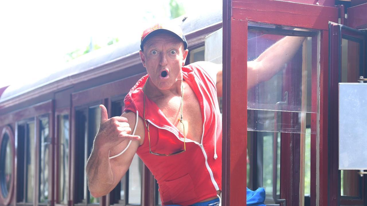 Pete the Surfaroo – Riding the train