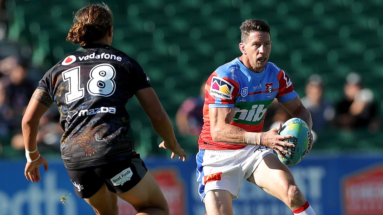 Kurt Gidley shows us he's still got it, being instrumental in the Knights' big win over the Warriors. Picture: AAP