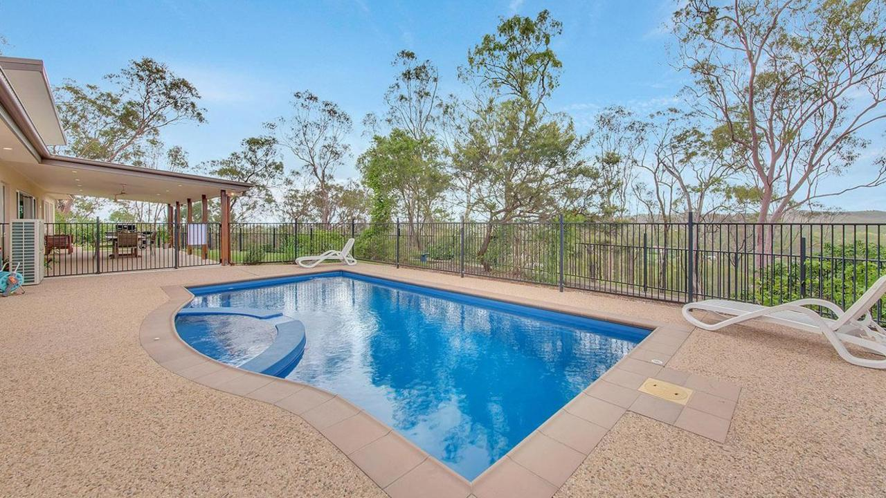 51 Lincoln James Drive, Burua has lots of space for a family