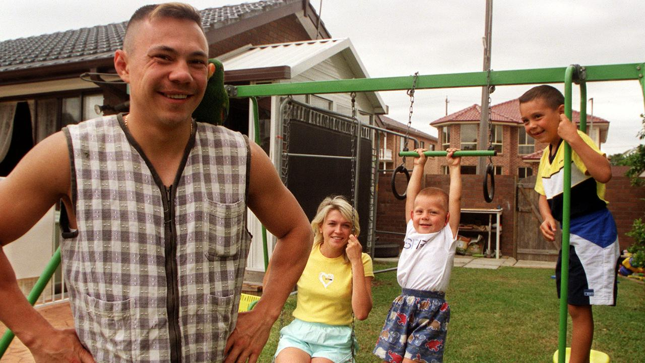 Kostya Tszyu with wife Natasha and children in 2000.
